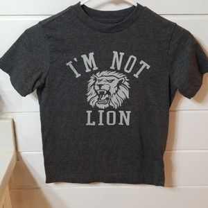 Old Navy lion tshirt